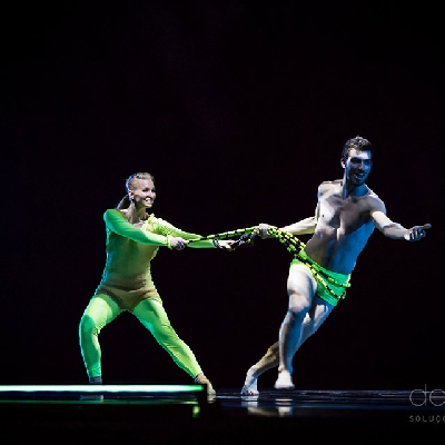 "Evolution Dance Theater in ""Night garden"""